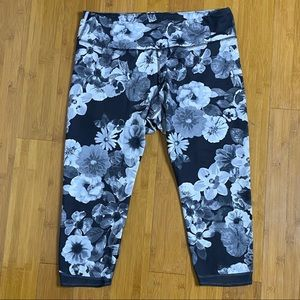 Old Navy Active floral mesh panel crop leggings XL